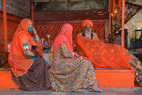 Low turnout was witnessed at the 'Maha Snan' (Great Bath) on the occasion of Kartik Poornima (full moon in the month of Kartik) on Monday in Pushkar fair 2020. Last year more than 3.5 lakh devotees had attended the 'Maha Snan'. When lockdown was announced in March, Pushkar had more than 10,000 foreign tourists. Now there are only a few tourists due to covid 19 pandemic Low turnout was witnessed at the 'Maha Snan' (Great Bath) on the occasion of Kartik Poornima (full moon in the month of Kartik) on Monday in Pushkar fair 2020. Last year more than 3.5 lakh devotees had attended the 'Maha Snan'. When lockdown was announced in March, Pushkar had more than 10,000 foreign tourists. Now there are only a few tourists due to covid 19 pandemic.