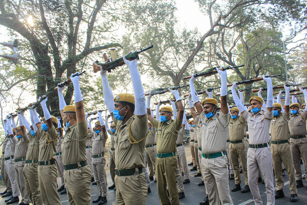 Indian Army, Indian Navy, West Bengal police, Kolkata police rehearsal the parade for Republic Day of India in Kolkata on Friday.
