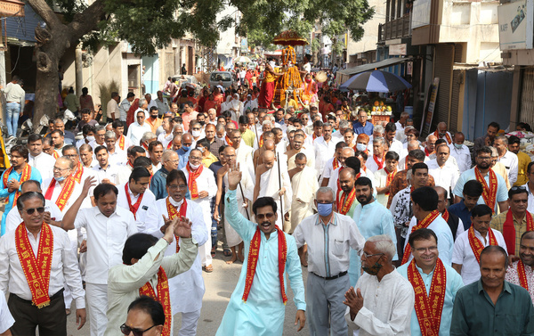 Jain sadhus (monks) and sadhvis (nuns) along with members of Jain community during a religious procession before Diksha rituals in Beawar. 75 members including 10 children of millionaire families will leave the social world and take 'Diksha'. Jainism is an Indian religion with some six million followers that focuses on non-violence towards all living beings, and an emphasis of non-possessiveness in order to relinquish attachments to material possessions.