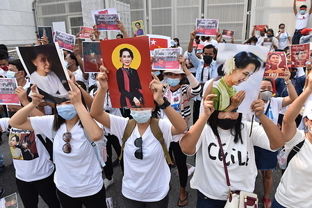February 7, 2021 : Myanmar protesters Living in Thailand Rally in front of the United Nations in Bangkok To show resistance Coup d'etat Of the soldiers in Myanmar