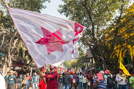 Police officers fired tear gas, water canons and lathi charged against the activists of left wing, marching towards 'Nabanna' in protest. Demanding Youth Employment, Education Rights, Rejecting unfair policies of the present state and central government. 10 left supporting youth and students union including SFI (Student's Federation of India) and DYFI (Democratic Youth Federation of India) called for this march. More than 50 of the protesters were injured severely with legs being broken and injuries on the head were taken to the nearby hospital as reported. In turn a clash between the police officials and protesters broke out which created a menace situation.