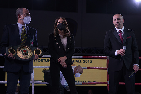 D'Ortenzi beats Rondena on points and wins IBO title.