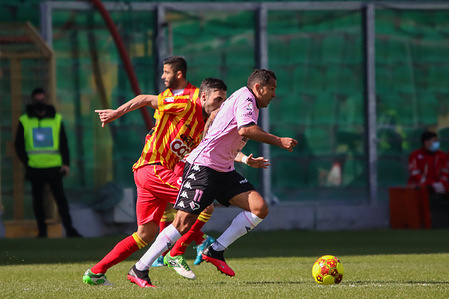 Mario Alberto Santana in action during the match against Catanzaro. Palermo FC vs Catanzaro at Renzo Barbera Stadium in Palermo.  Catanzaro wins 2-1.