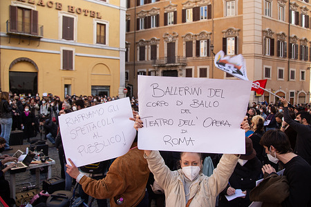 Demonstration organized by the workers of the entertainment world in Rome, with a parade from Argentina Theater to Montecitorio square, to protest against Italian Government and Minister for Cultural Heritage.