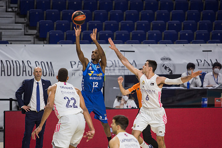 Thad McFadden (blue) and Alberto Abalde (right) during Real Madrid victory over Hereda San Pablo Burgos 96 - 81 in Liga Endesa regular season game (day 24) celebrated in Madrid (Spain) at Wizink Center. February 27th 2021.